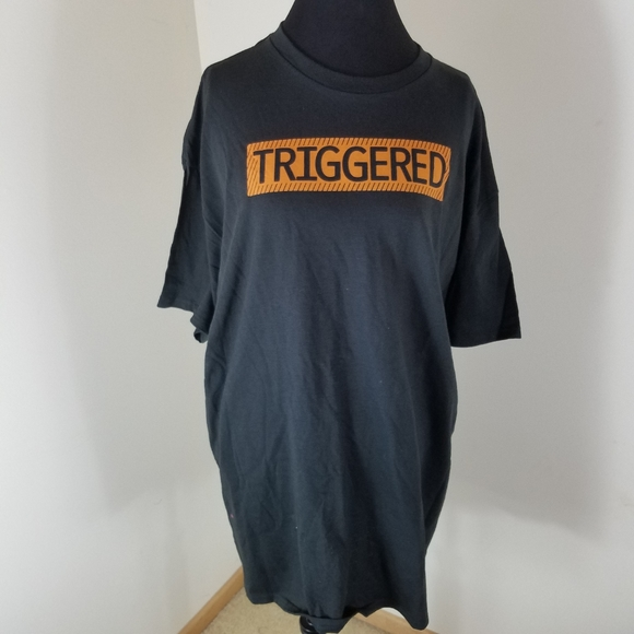 Graphic Tee Other - Black Short Sleeve Tee Shirt w/ Triggered Graphic